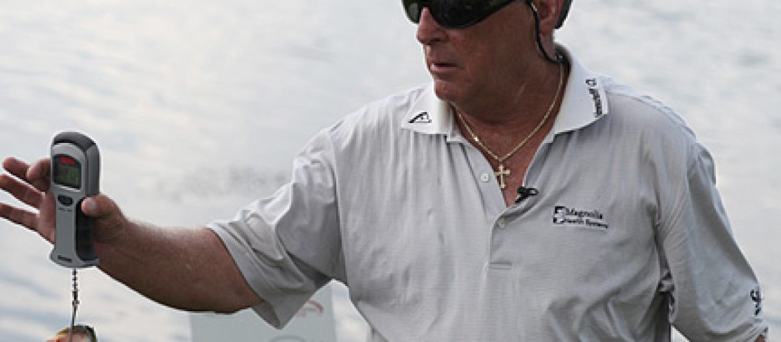 Fuzzy-Zoeller-weighing-his-catch